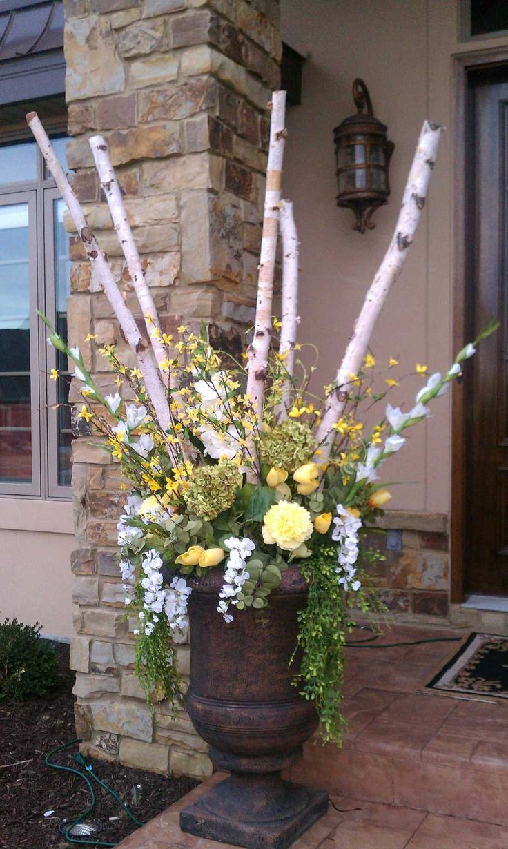 Transitional planters from winter to spring stilettos2slippers pretty spring urn mightylinksfo